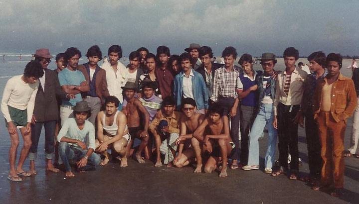 15 & 16 Batch at Coxbazar picnic in 1986