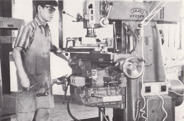 Student in the practical class of Machineshop dept-3