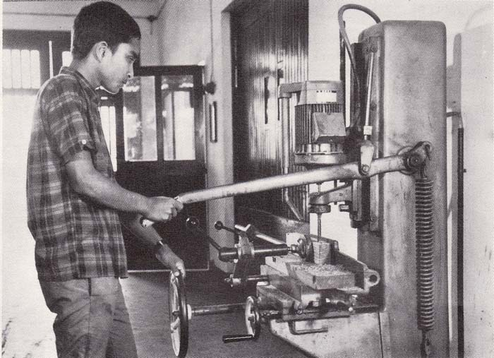 Student in the practical class of Wood dept -b